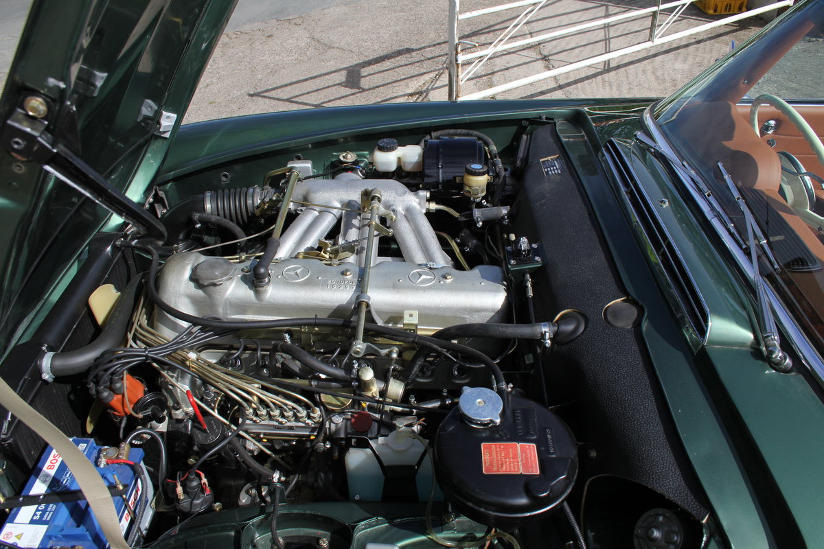 1965 Mercedes 230SL Pagoda, 5 speed ZF gearbox, show standard For Sale (picture 15 of 24)