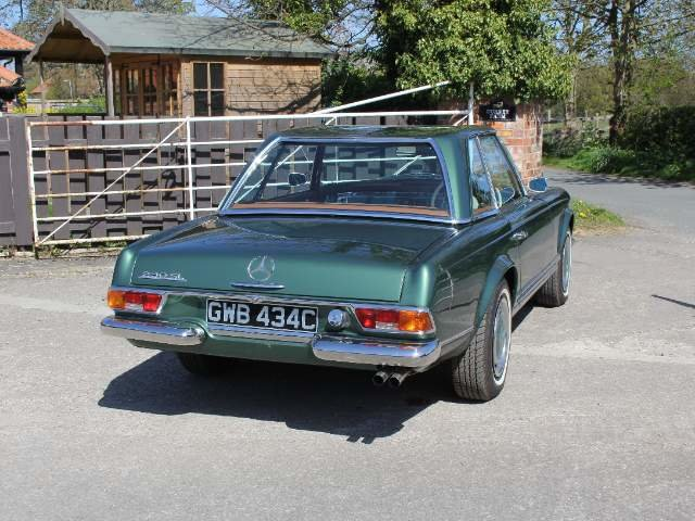1965 Mercedes 230SL Pagoda, 5 speed ZF gearbox, show standard For Sale (picture 16 of 24)