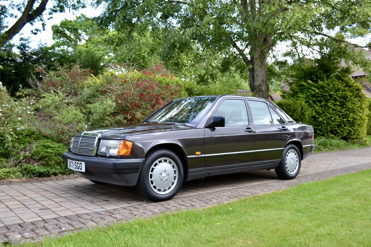 1987 Mercedes 190E 2.6 *SOLD* SOLD (picture 1 of 6)