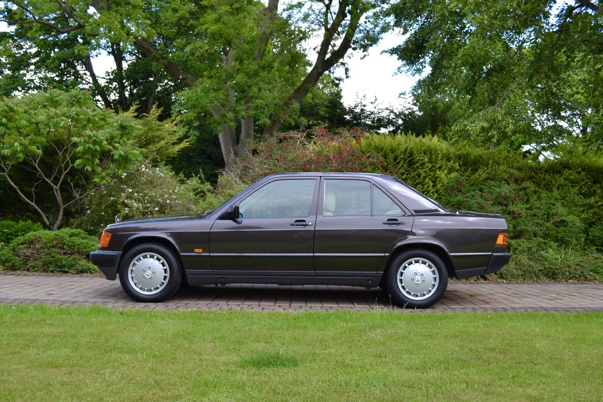 1987 Mercedes 190E 2.6 *SOLD* SOLD (picture 2 of 6)