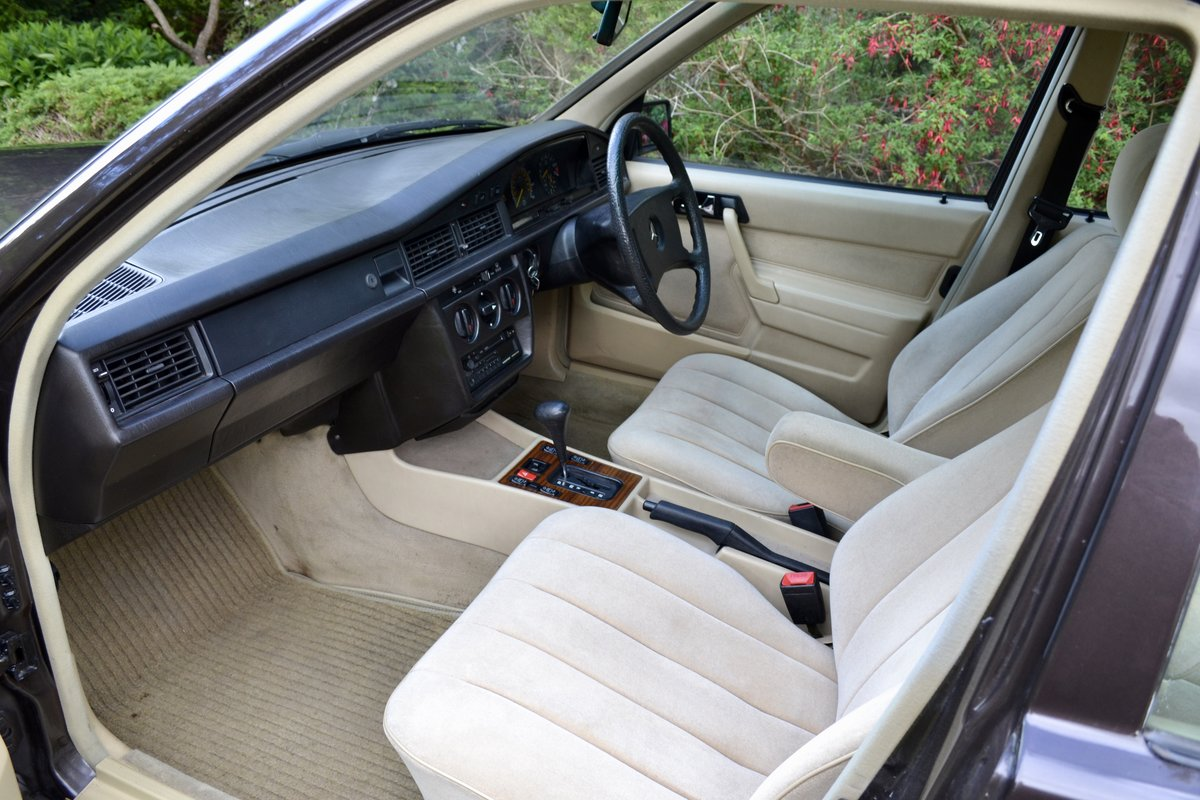 1987 Mercedes 190E 2.6 *SOLD* SOLD (picture 4 of 6)
