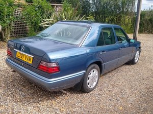 1993 Mercedes E220 Auto (W124) for auction 16th -17th July SOLD by Auction