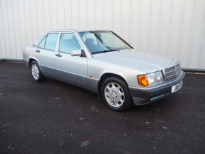 1991 MERCEDES 190E 2.0 SILVER LOW MILEAGE VGC