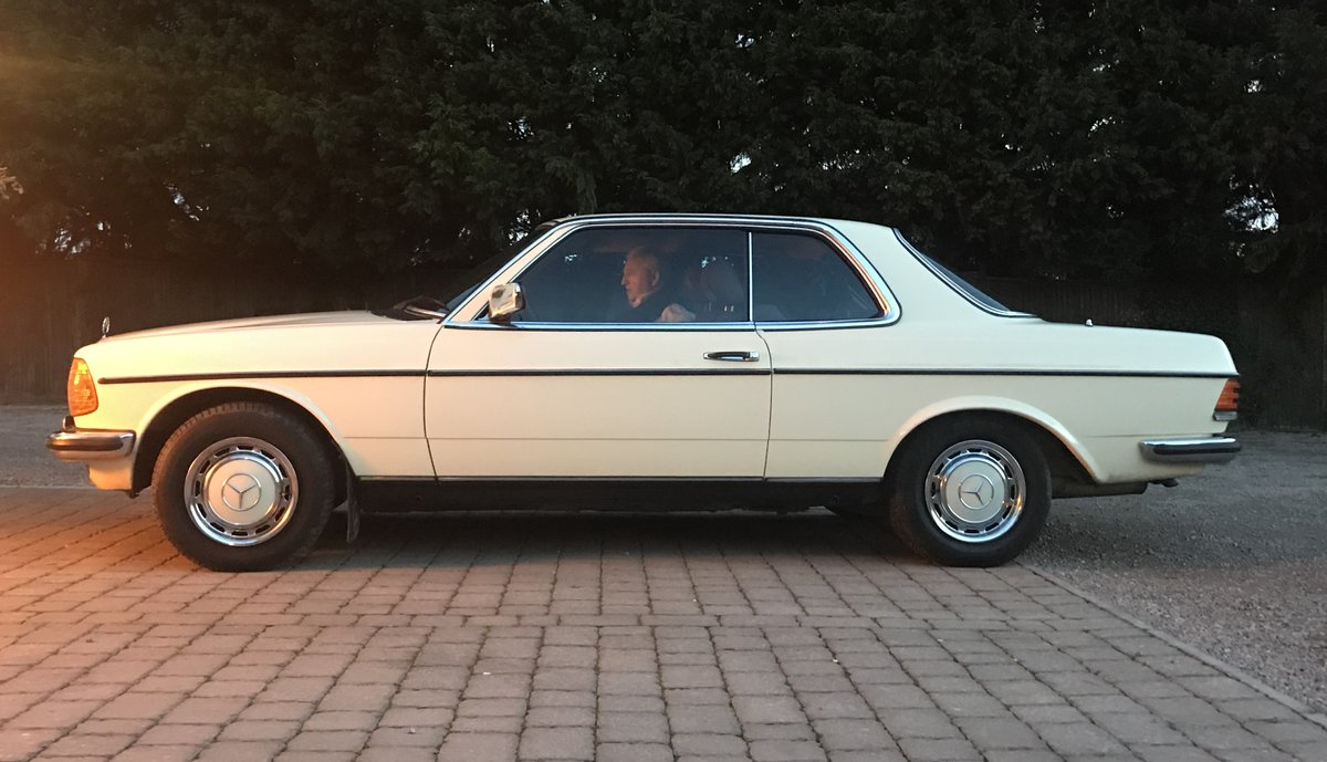 1983 Mercedes 230CE SOLD (picture 4 of 6)