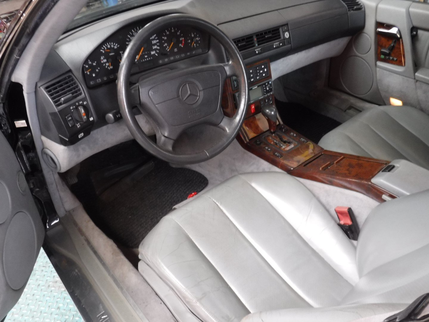 Mercedes-Benz 600SL V12 1993 For Sale (picture 6 of 6)