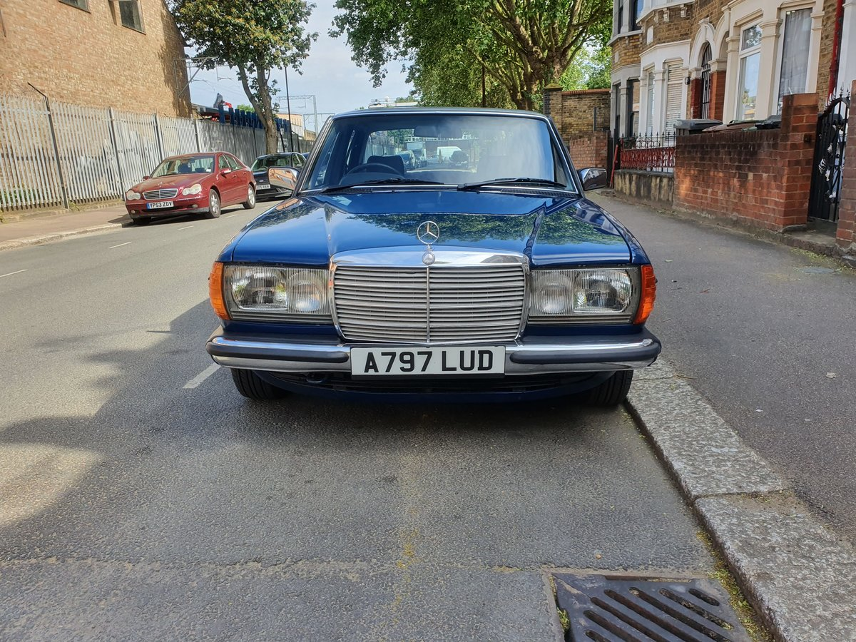 1983 Mercedes w123 200 For Sale (picture 2 of 6)