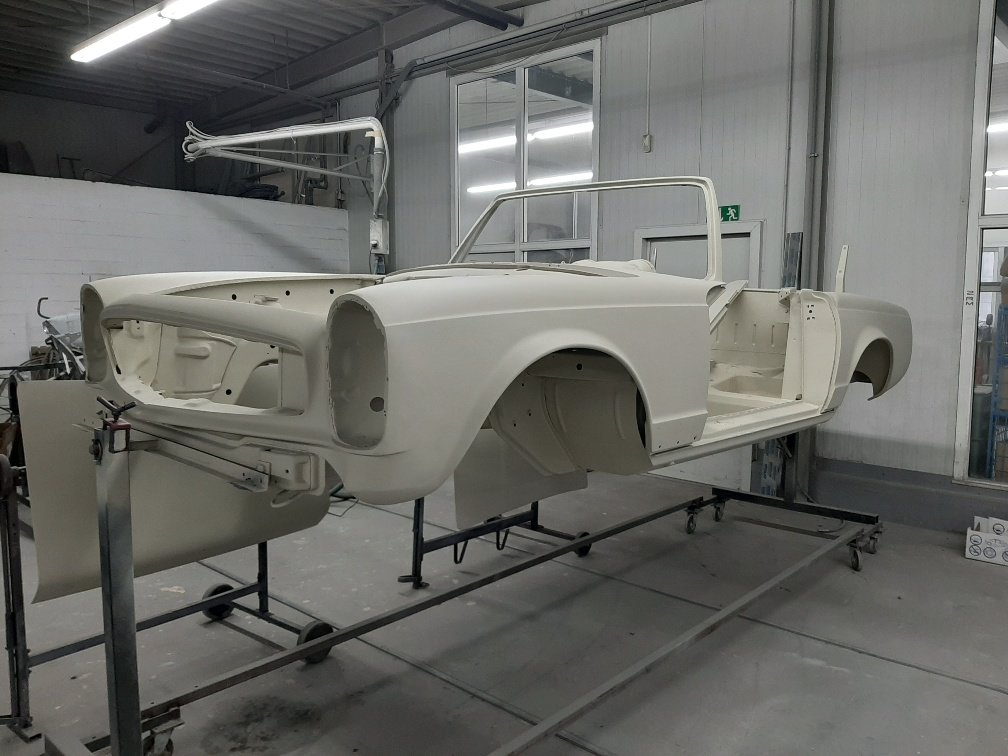 1970 Ready to be painted W113 Mercedes Benz 280 SL Pagoda For Sale (picture 1 of 6)