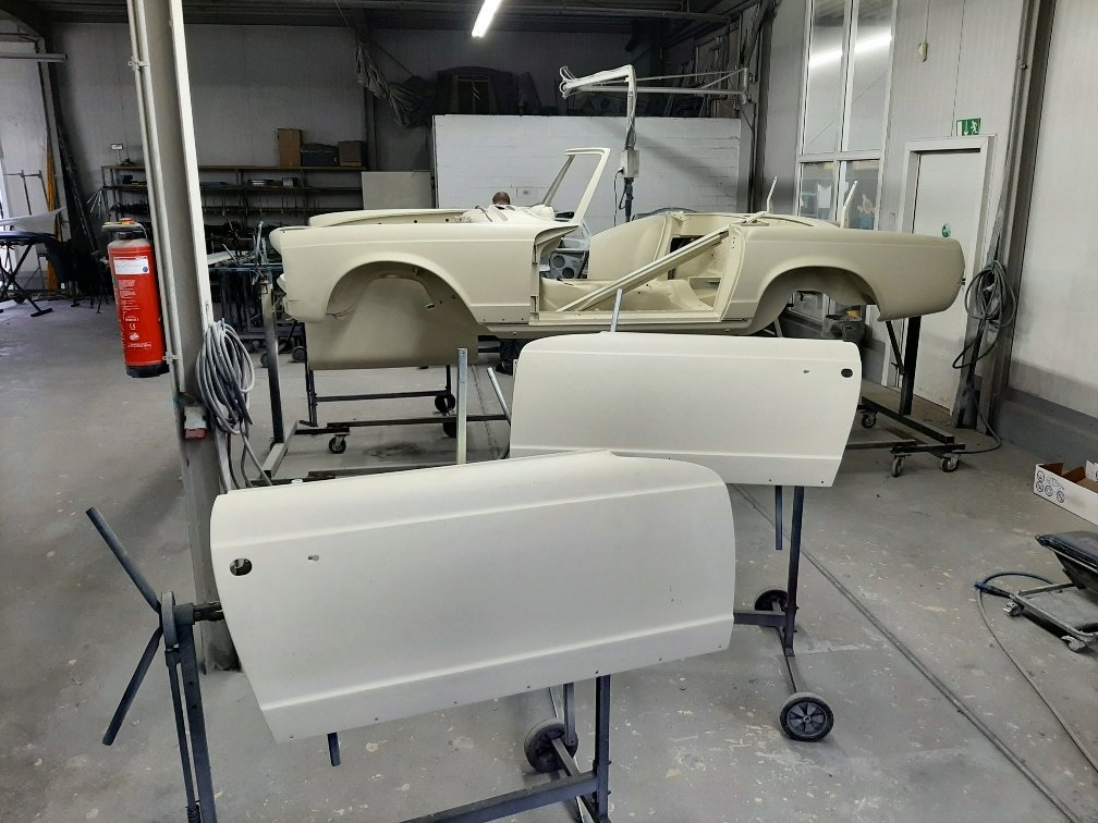 1970 Ready to be painted W113 Mercedes Benz 280 SL Pagoda For Sale (picture 4 of 6)