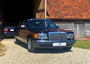 1990 W126 420SEL. 1 former keeper, 83k miles. Superb throughout