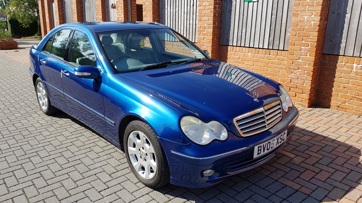 2005 Mercedes-Benz C Class 220CDI Elegance For Sale (picture 1 of 6)