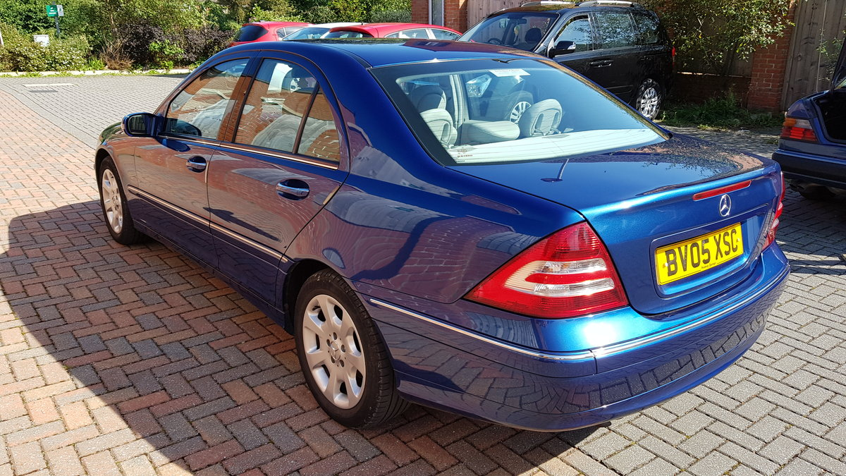 2005 Mercedes-Benz C Class 220CDI Elegance For Sale (picture 2 of 6)