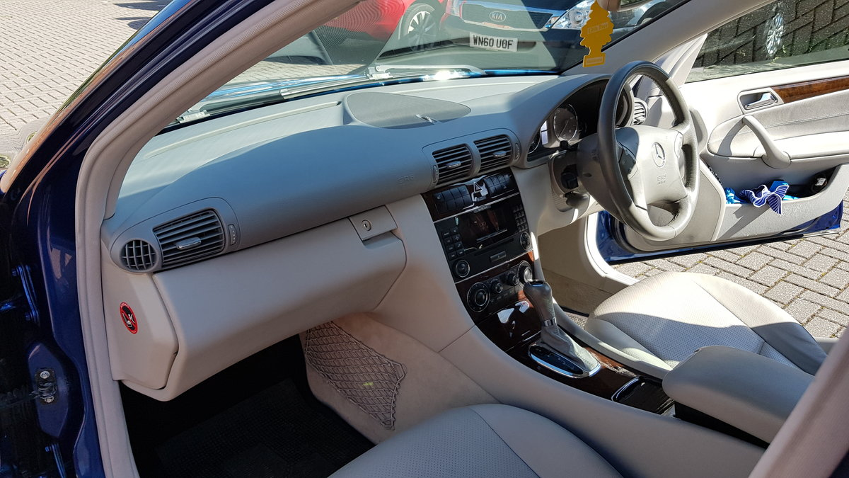 2005 Mercedes-Benz C Class 220CDI Elegance For Sale (picture 3 of 6)