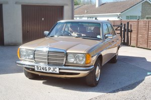 1985 Mercedes 230E Saloon (W123) only 47,000 miles For Sale