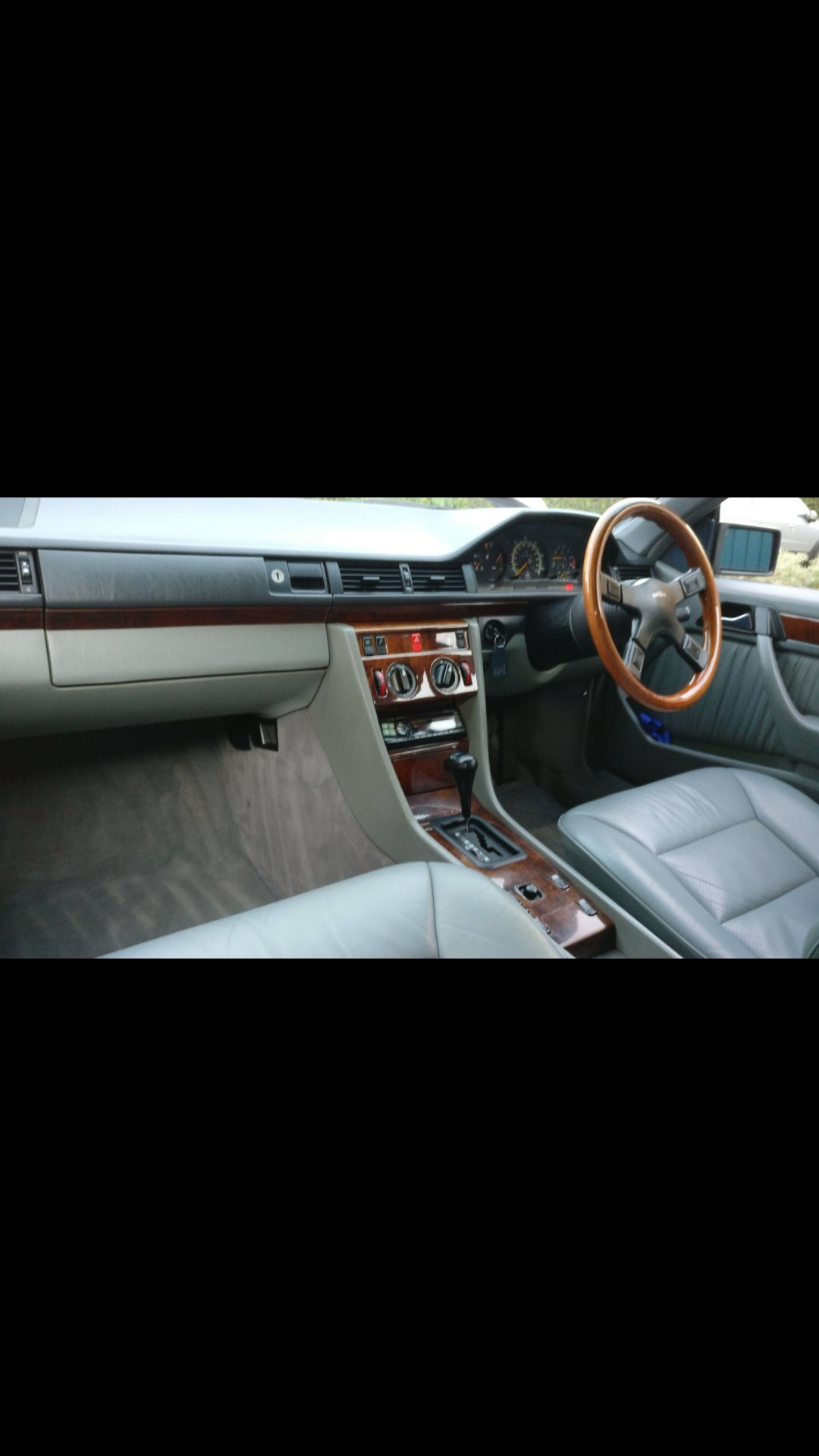1994 Mercedes benz e class w124 e220 pillerless coupe  For Sale (picture 3 of 6)