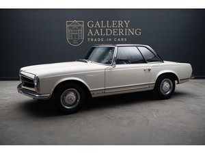 1967 Mercedes Benz 250 SL Pagode For Sale