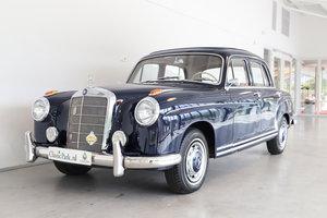 (1106) Mercedes-Bens 220 SE