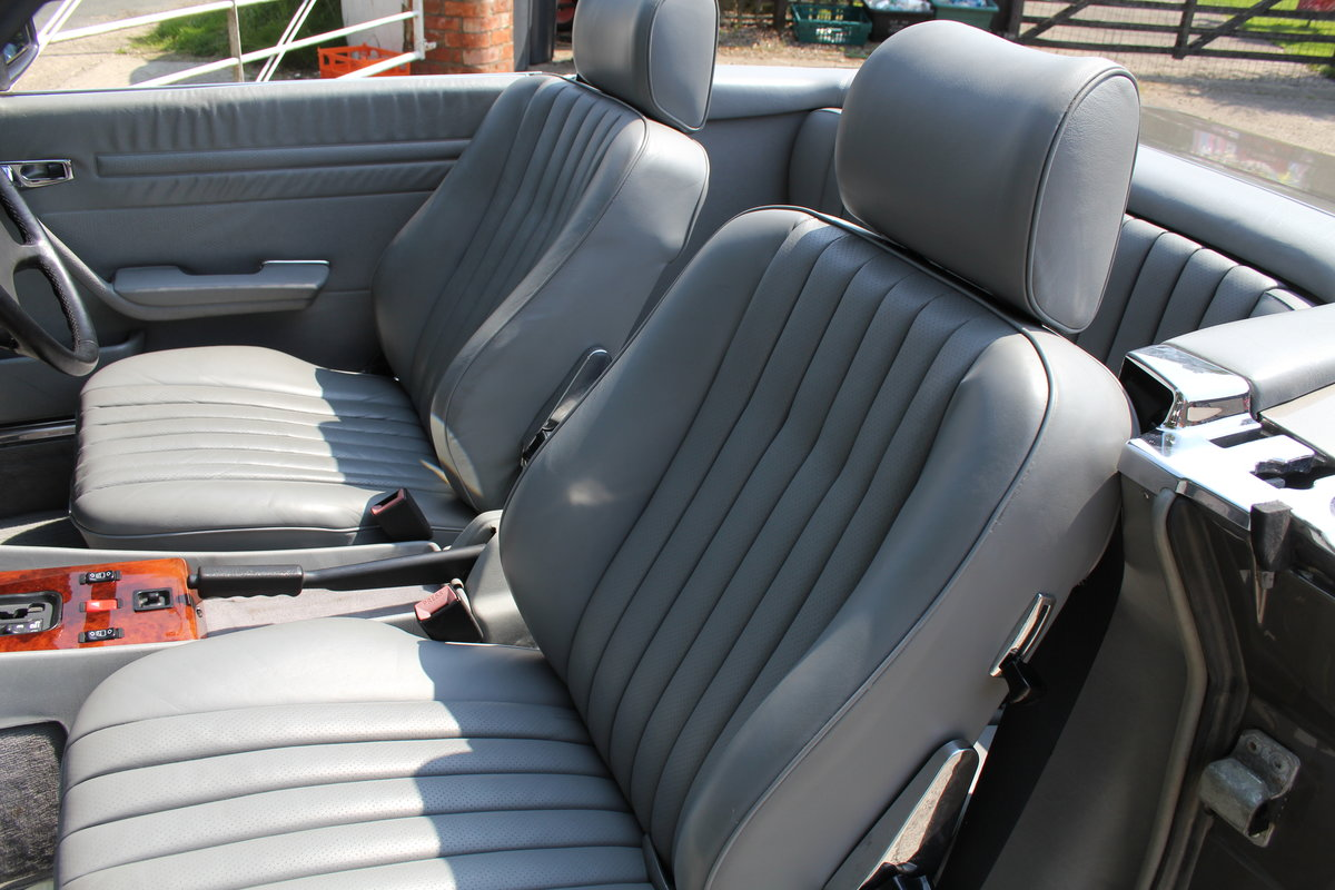 1989 Mercedes Benz 500SL 70k miles,Hard Top,Rear Seats, 2 owners For Sale (picture 12 of 18)