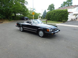 1987 Mercedes 560SL Triple Black Very Presentable - For Sale