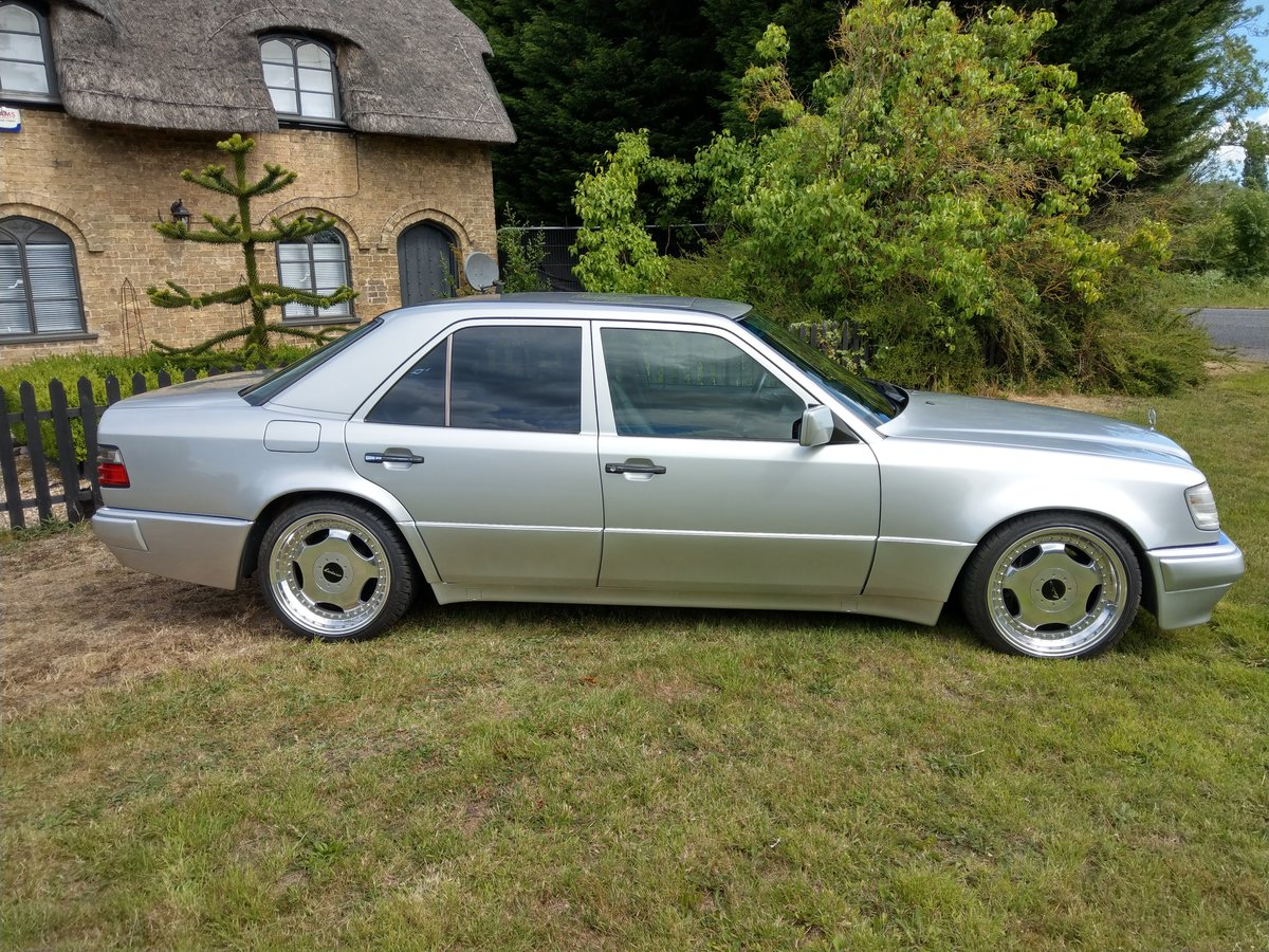 1993 Mercedes E500 / 500E W124 V8 Saloon For Sale (picture 1 of 6)