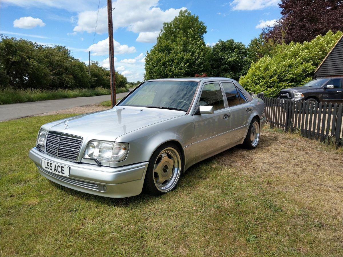 1993 Mercedes E500 / 500E W124 V8 Saloon For Sale (picture 2 of 6)