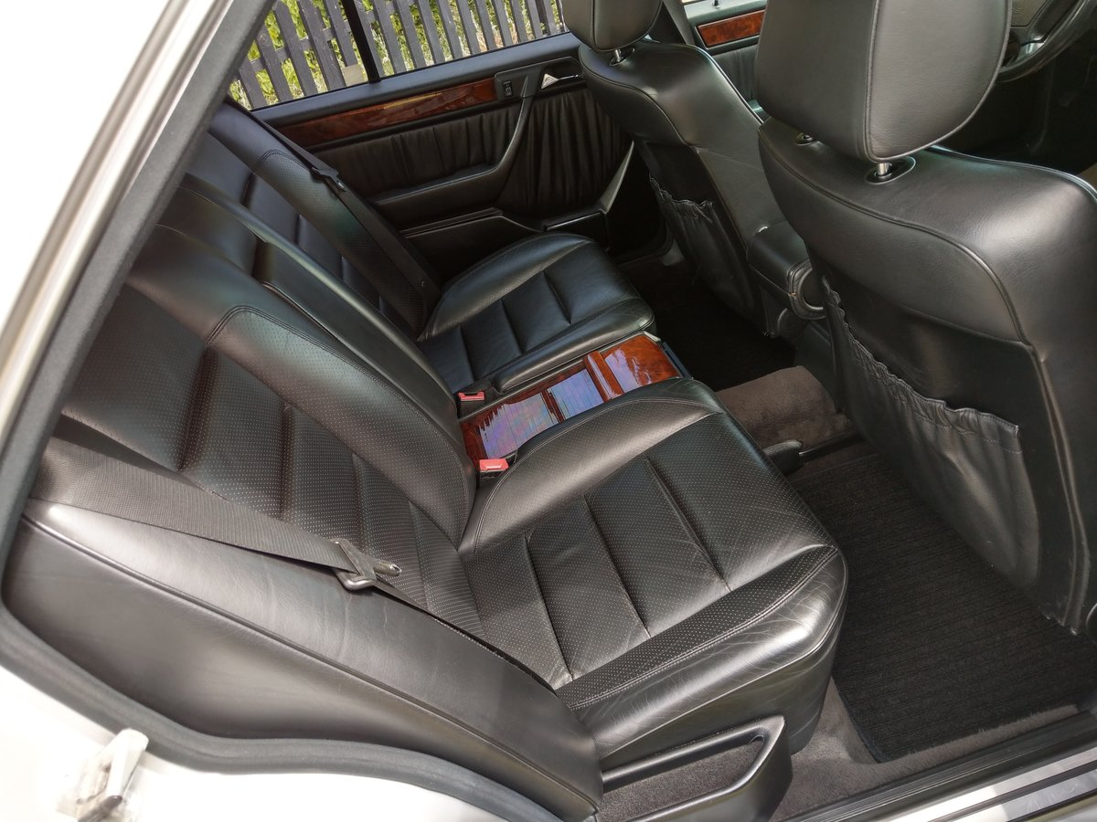 1993 Mercedes E500 / 500E W124 V8 Saloon For Sale (picture 4 of 6)