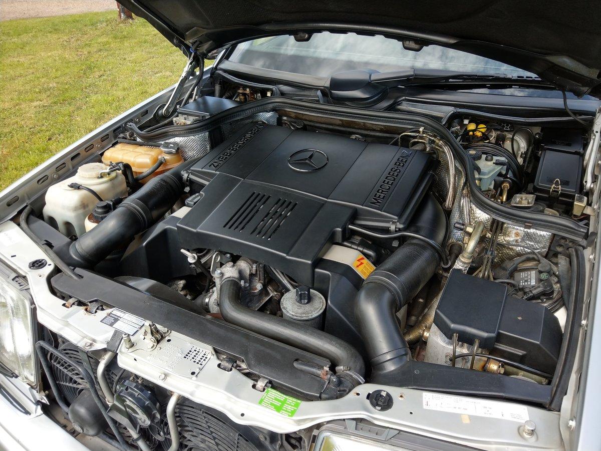 1993 Mercedes E500 / 500E W124 V8 Saloon For Sale (picture 5 of 6)