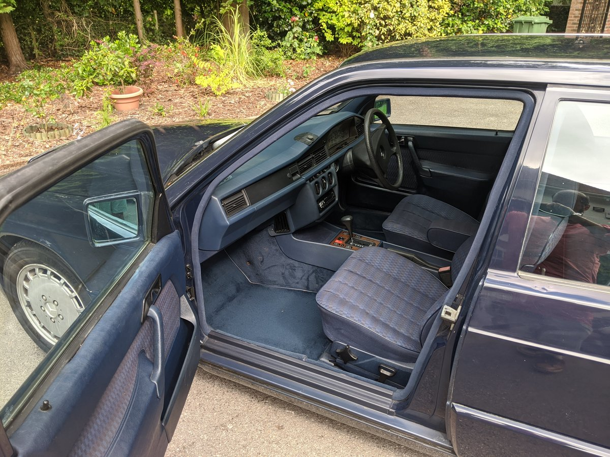 1991 Mercedes 190 D 2.5 L 68k miles For Sale (picture 4 of 6)
