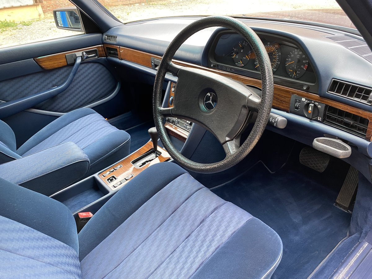 1984 Mercedes-Benz 280 SE Auto. Only 23,000 Miles  For Sale (picture 4 of 6)