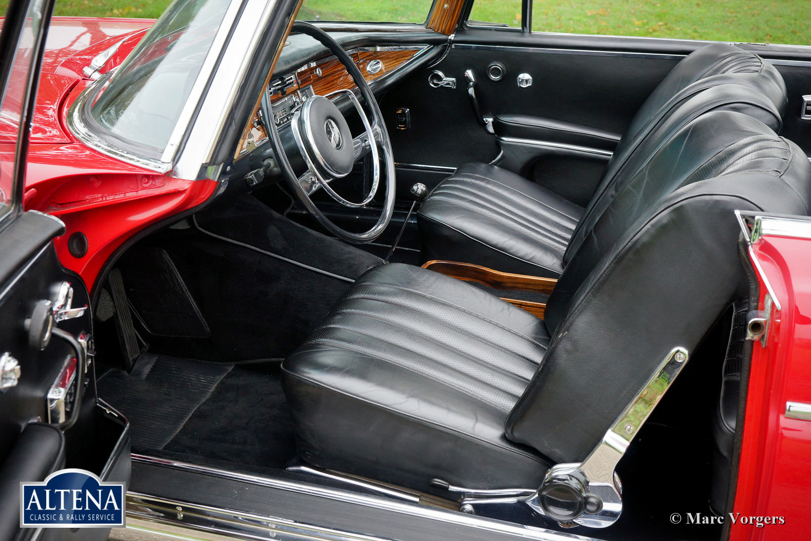 Mercedes 300SE Cabriolet, 1966 For Sale (picture 2 of 6)