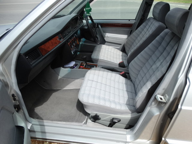 1992 MERCEDES 190E AUTO  For Sale (picture 3 of 6)