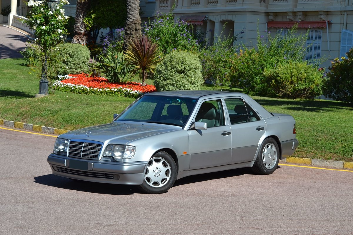 1994 Mercedes-Benz E500 For Sale by Auction (picture 1 of 6)