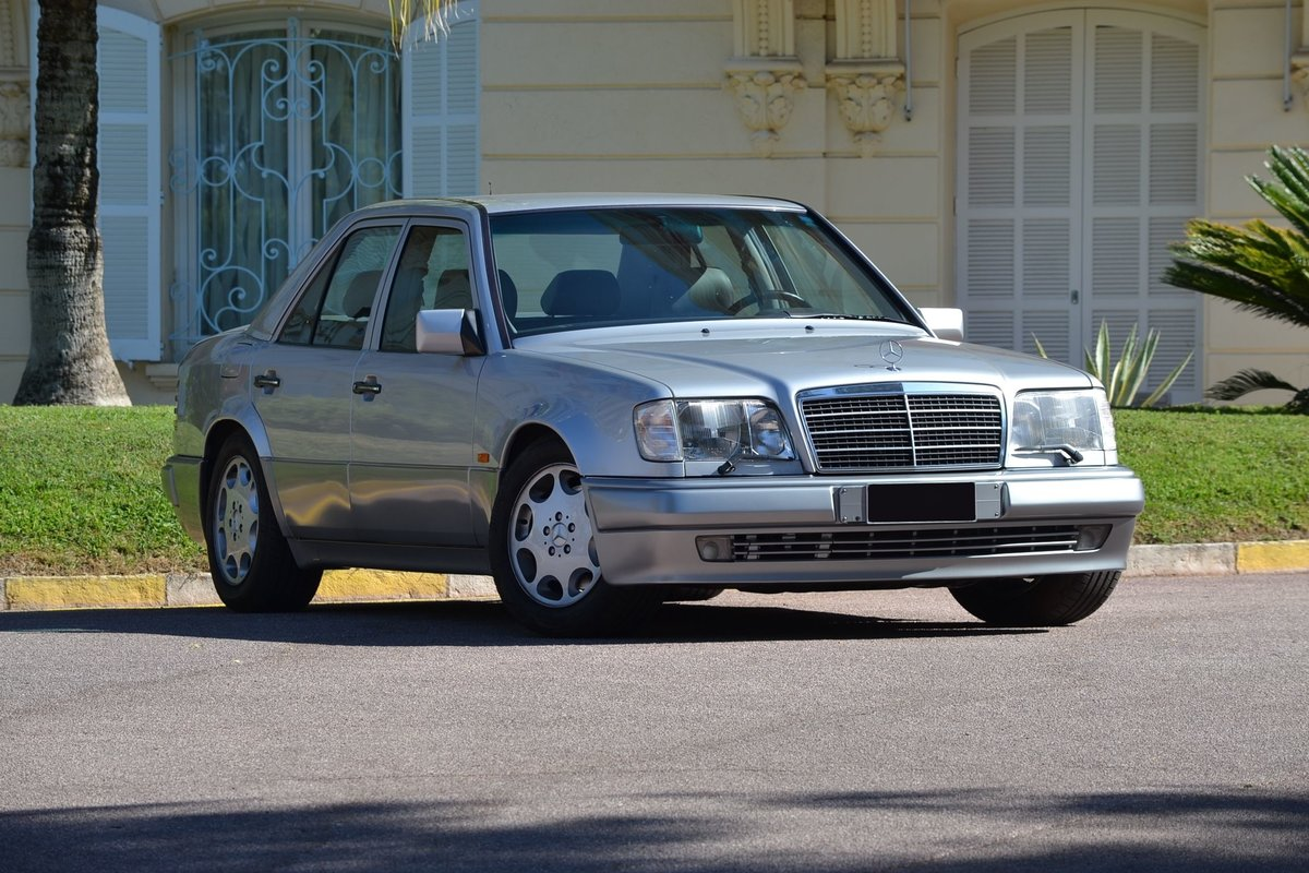 1994 Mercedes-Benz E500 For Sale by Auction (picture 2 of 6)