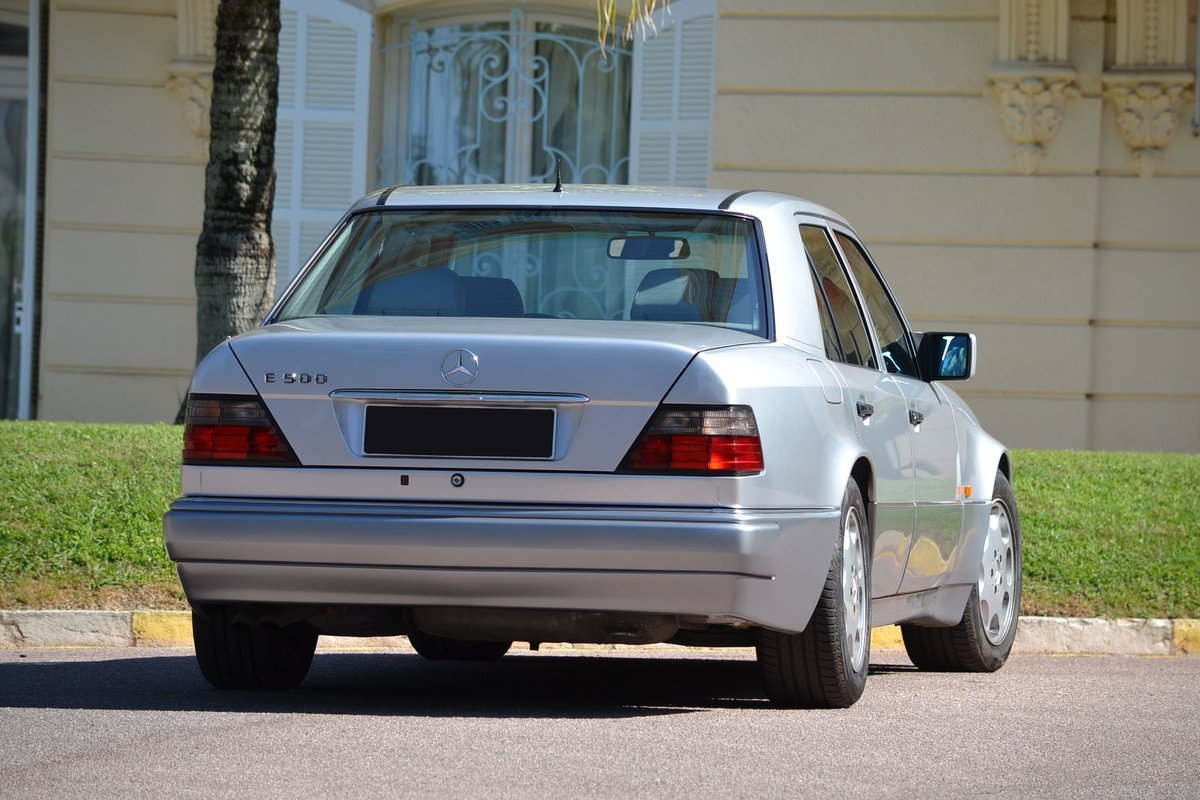 1994 Mercedes-Benz E500 For Sale by Auction (picture 3 of 6)