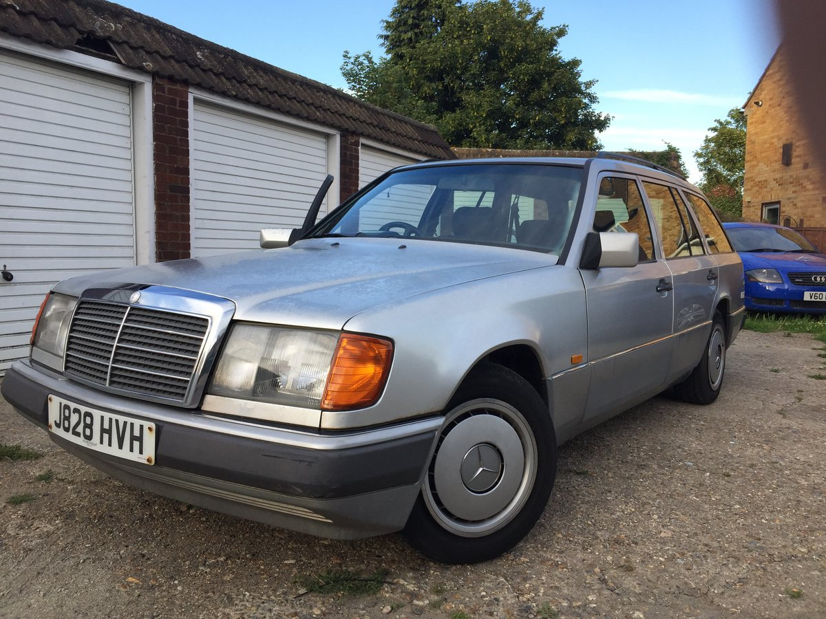1992 230 TE AUTOMATIC 7 Seater For Sale (picture 1 of 6)