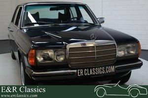 Mercedes-Benz 250 W123 Sedan 1978 Only 52.742 km