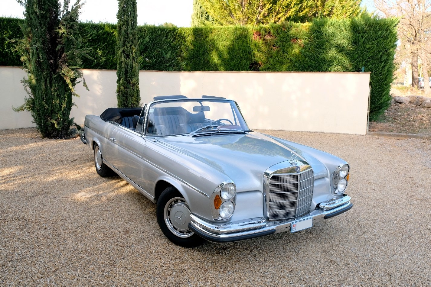 1963 Mercedes 220SE For Sale (picture 1 of 6)