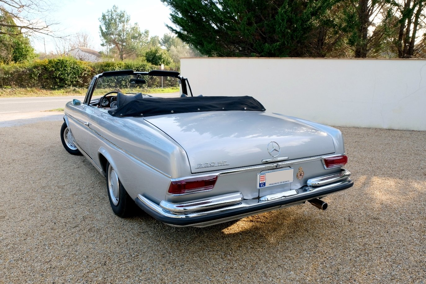1963 Mercedes 220SE For Sale (picture 2 of 6)
