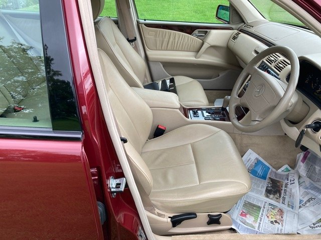 1999 Mercedes-Benz 280 E 24000 miles For Sale (picture 4 of 6)
