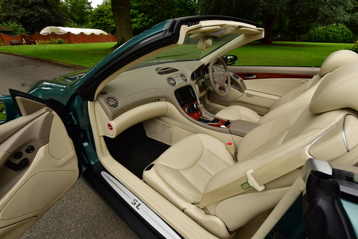 2005 Mercedes-Benz SL 350 2dr Convertible For Sale (picture 3 of 6)