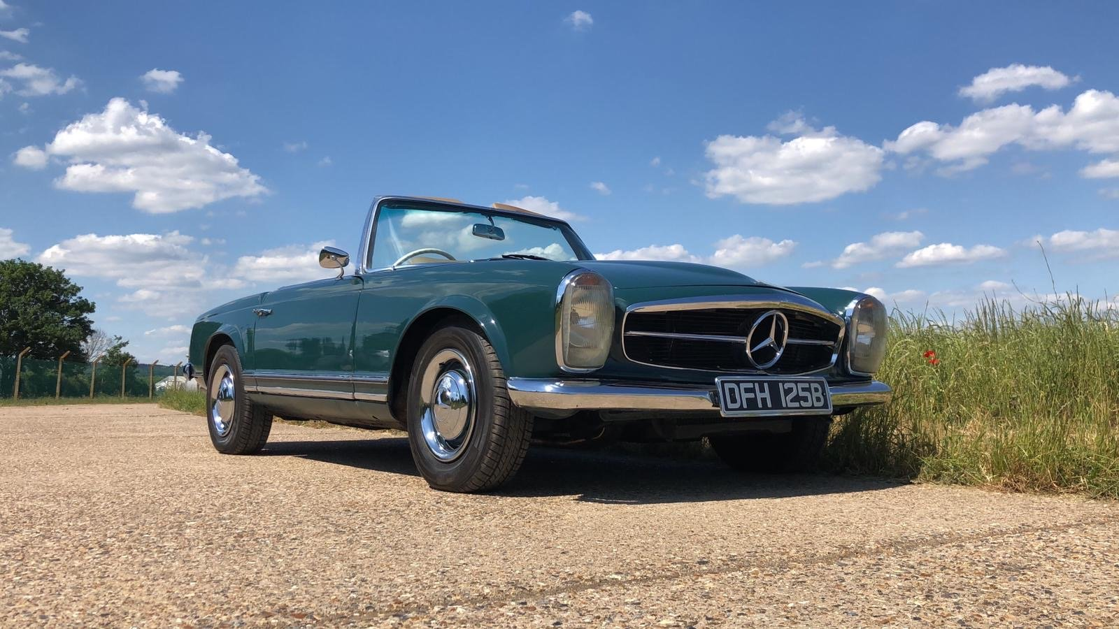 Mercedes-Benz 230 SL Pagoda Manual 1966 For Sale (picture 1 of 13)