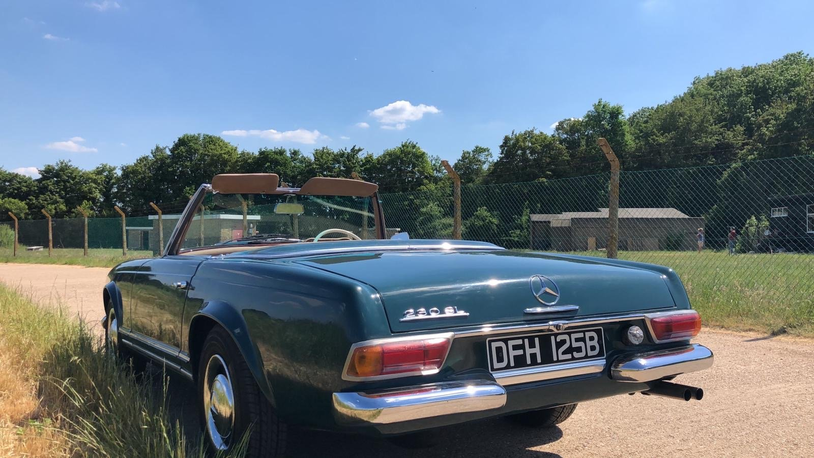 Mercedes-Benz 230 SL Pagoda Manual 1966 For Sale (picture 4 of 13)