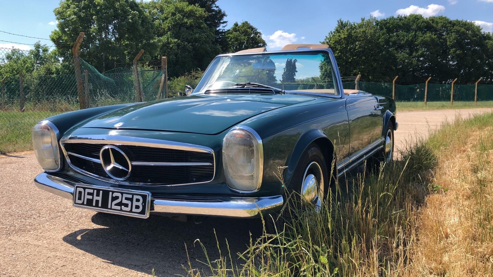 Mercedes-Benz 230 SL Pagoda Manual 1966 For Sale (picture 5 of 13)