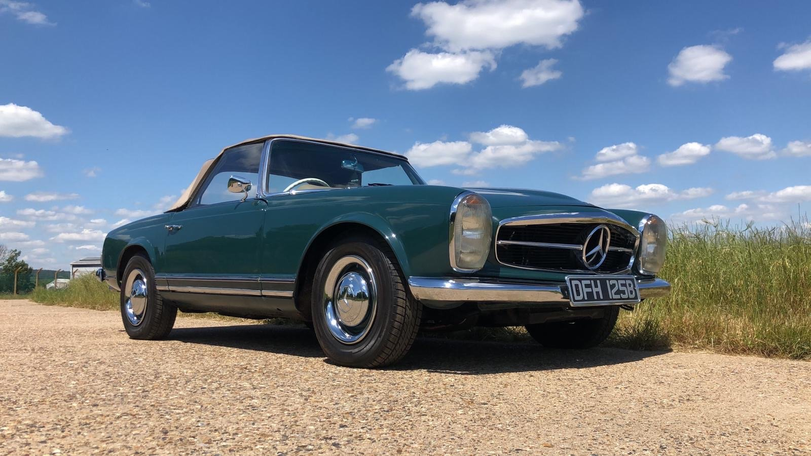 Mercedes-Benz 230 SL Pagoda Manual 1966 For Sale (picture 6 of 13)