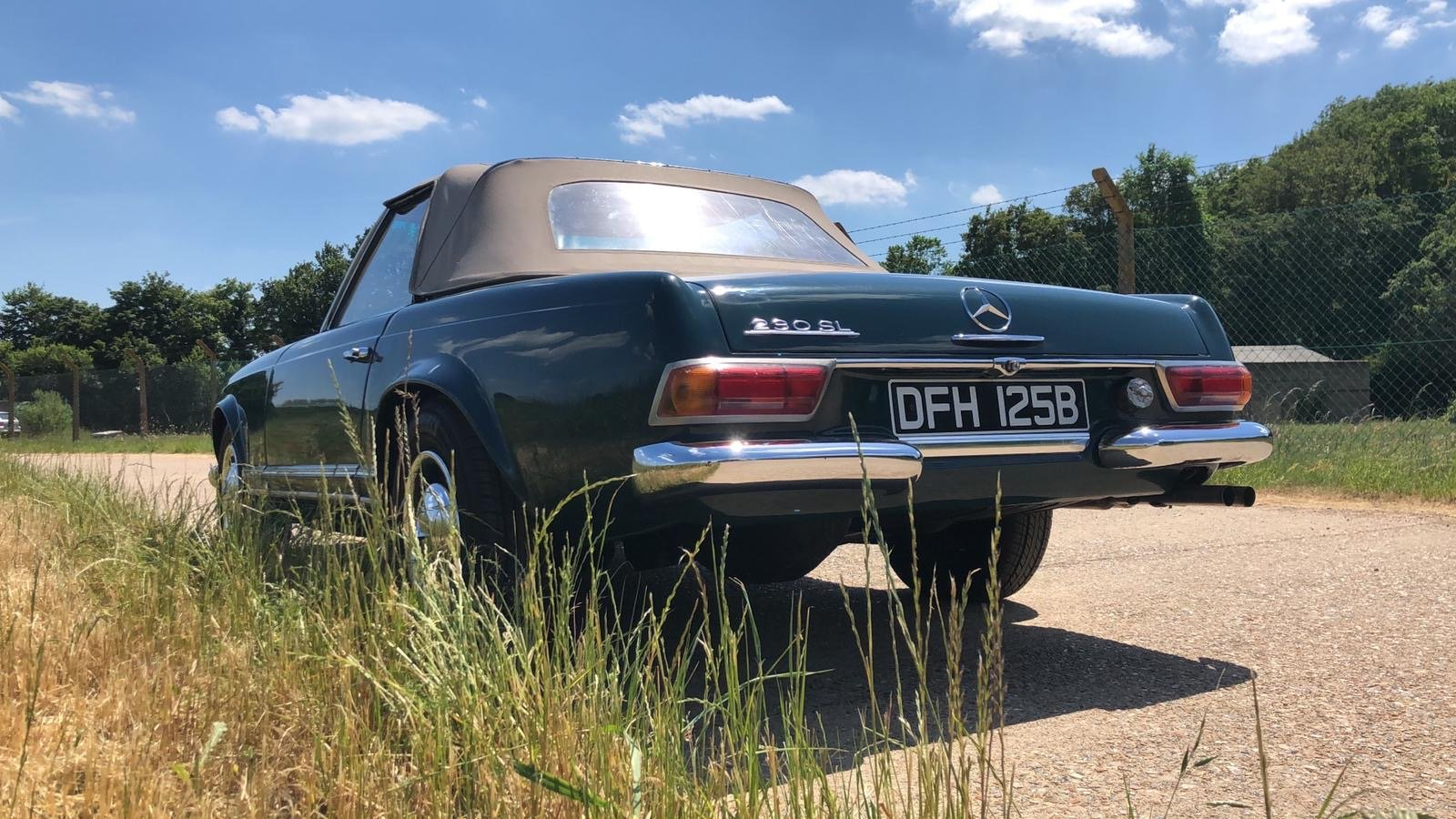 Mercedes-Benz 230 SL Pagoda Manual 1966 For Sale (picture 10 of 13)