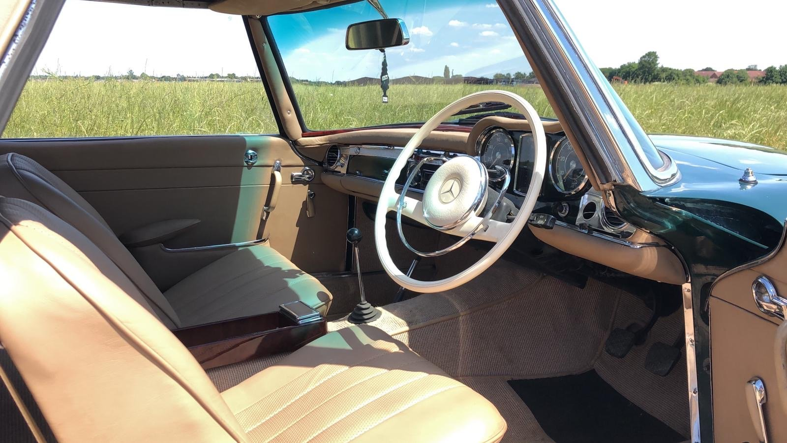 Mercedes-Benz 230 SL Pagoda Manual 1966 For Sale (picture 13 of 13)