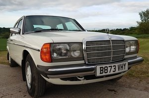 1984 MERCEDES-BENZ 230E For Sale by Auction