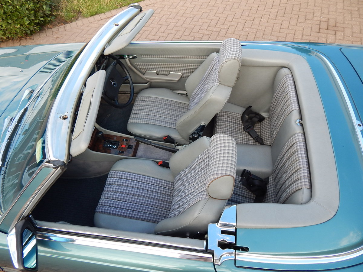 1987 Stunning low mileage original 300SL For Sale (picture 3 of 6)