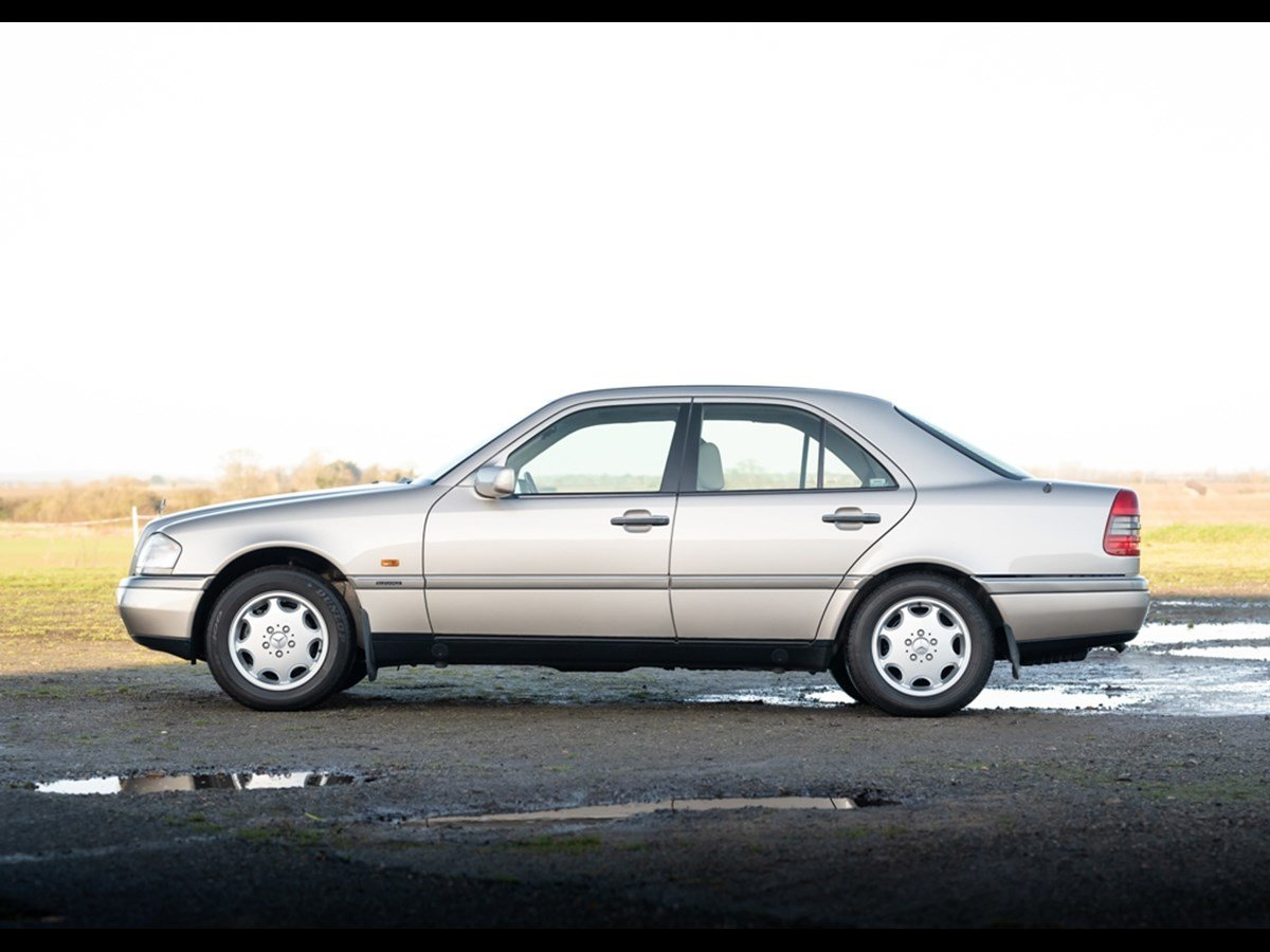 1995 Mercedes C280 Elegance Time Warp Conditiin For Sale (picture 1 of 6)