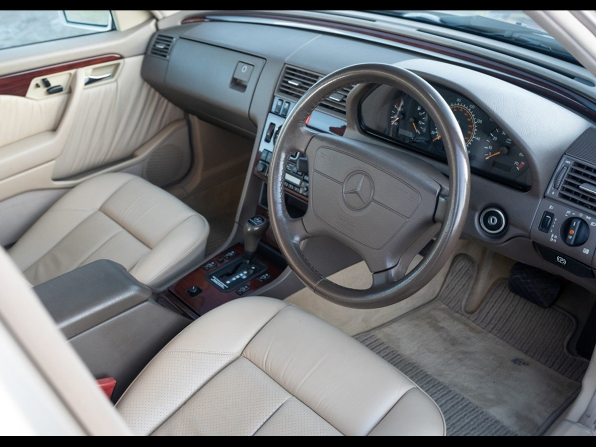 1995 Mercedes C280 Elegance Time Warp Conditiin For Sale (picture 2 of 6)