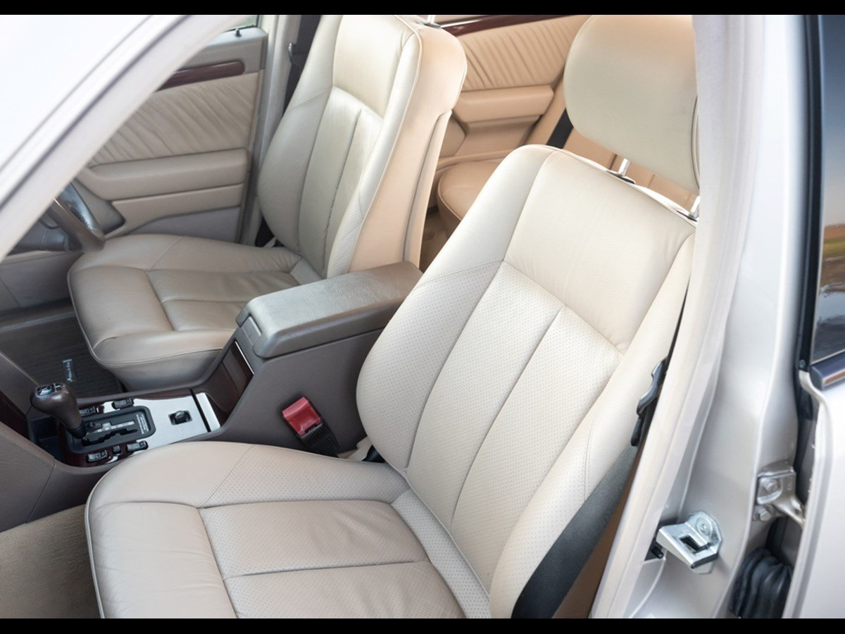 1995 Mercedes C280 Elegance Time Warp Conditiin For Sale (picture 4 of 6)